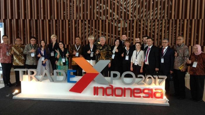 Sekretaris Negara Rumania Paula Pirvanescu bersama Menteri Perdagangan Enggartiasto Lukita bahas tenaga kerja dari Indonesia. Foto Richard Andika/ NusantaraNews