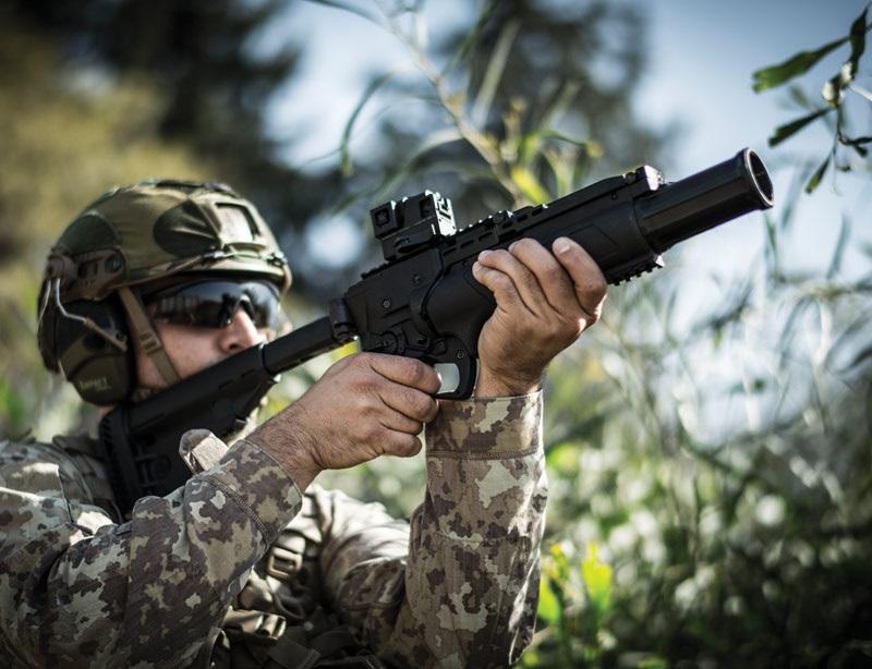 Industri Senjata Israel (IWI) memperkenalkan senjata peluncur granat atau Stand Alone Grenade Launcher kaliber 40x46 mm yang digunakan pasukan angkatan darat Israel (IDF). IWI kaliber 40x46 mm ini sejenis dengan SAGL kaliber 40x46 mm yang dimiliki Kepolisian Indonesia (Korps Brimob). (Foto: IWI)