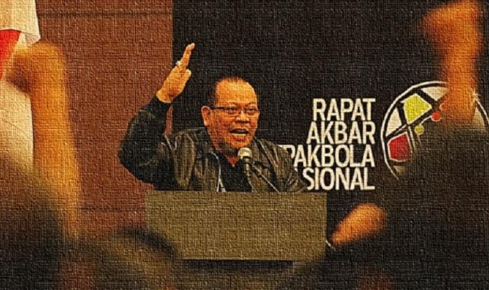 Ekspresi La Nyalla Mattaliti (LNM) di atas Podium suatu ketika. Foto Editor: NNCart/ NusantaraNews
