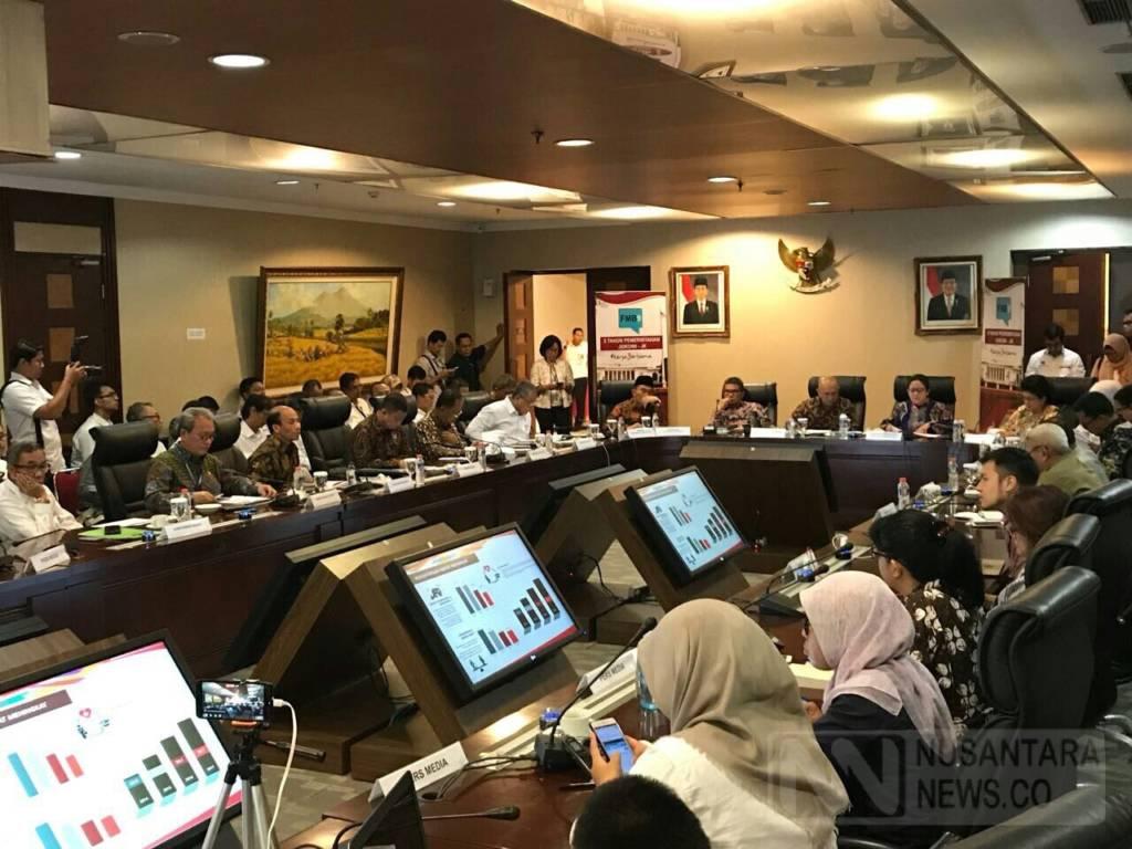 Konferensi Pers Forum Merdeka Barat 9, bertajuk Pemberdayaan dan Keberpihakan untuk Mengatasi Ketimpangan, di Kantor Staf Presiden, Jakarta, Senin (23/10/2017). (Foto: Ricard Andika/NusantarNews