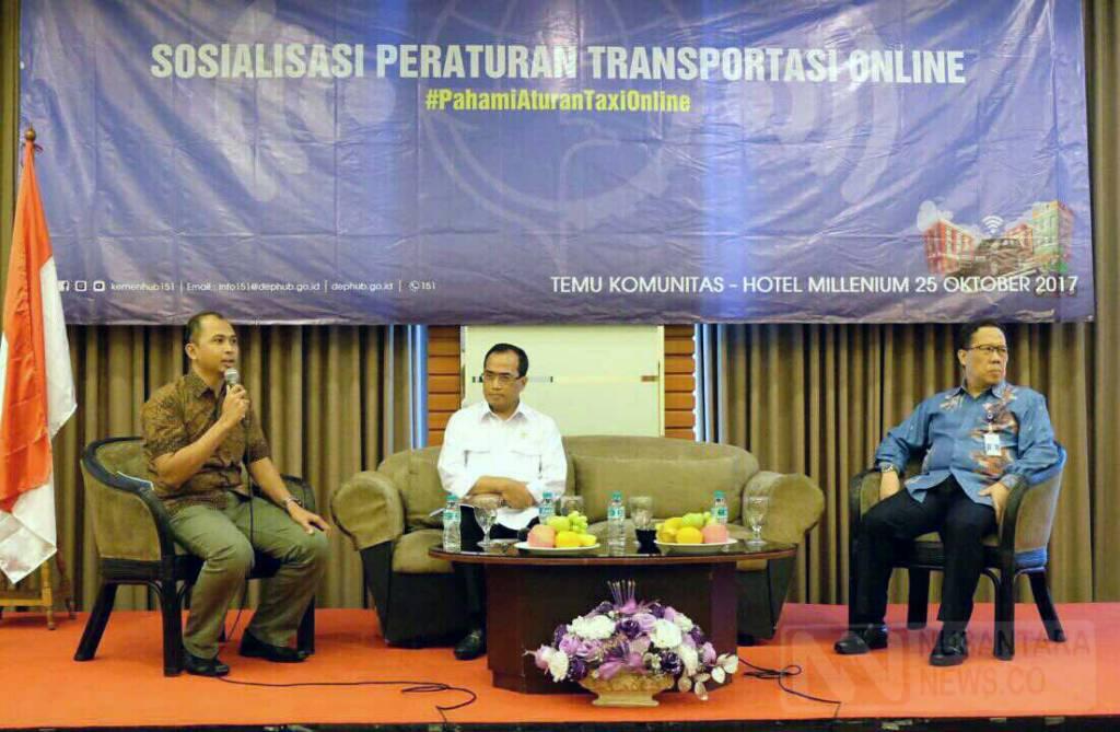 "Menteri Perhubungan Budi Karya Sumadi dalam diskusi ""Mengupas Polemik Peraturan Transportasi Online"" di Jakarta, Rabu (25/10/2017). (Foto: Ricard Andika/NusantaraNews)"