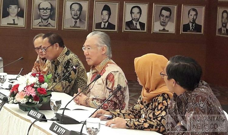Mendag Enggar (Tengah) (Foto Andika/Nusantaranews)