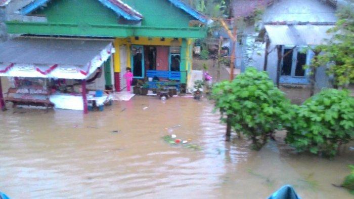 Bencana banjir di daerah Kabupaten Pangandaran, Jawa Barat, Sabtu (7/10/2017). (Foto: Istimewa/Via Tribunews)