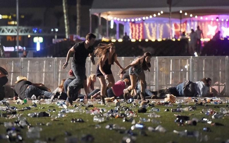 Penembakan mengguncang lokasi konser musik di dekat Mandalay Bay Resort and Casino, Las Vegas, pada Minggu malam waktu setempat atau hari ini (2/10/2017) WIB. (Foto: AFP)