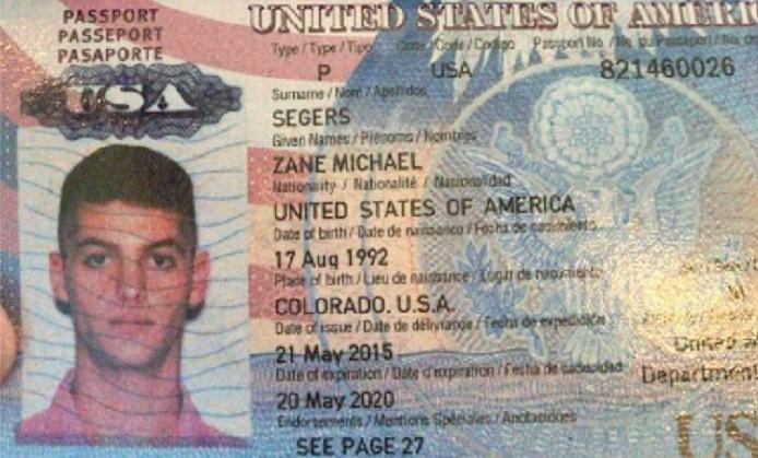 Passport SM satu dari dua warga AS yang diduga menyusup pada perayaan HUT TNI ke 72. Foto Crop: NNCart/ NusantaraNews