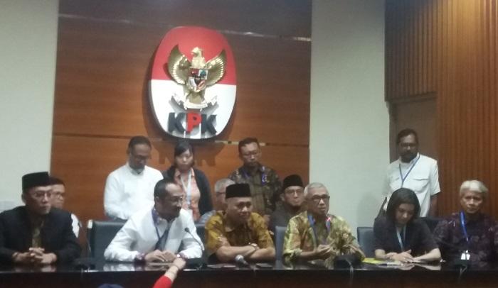 Sejumlah mantan pimpinan KPK dan aktivis anti korupsi gelar audiensi ke KPK (Foto Restu Fadilah/Nusantaranews)