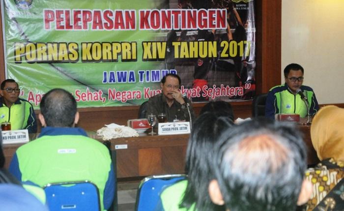 Sekda Prov Jatim Berangkatkan Kontingen ASN di ruang Brawijaya (Foto: Tri Wahyudi/Nusantaranews)