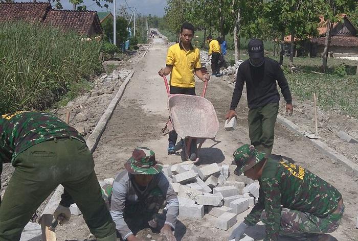 TNI, Polri dan Masyarakat Bersinergi (Foto Wahyu/Nusantaranews)