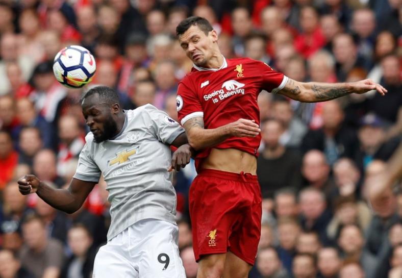 Manchester United mencuri poin di kandang Liverpool dalam lanjutan Primer League Sabtu (14/10) malam WIB. (Foto: Reuters/Phil Noble)