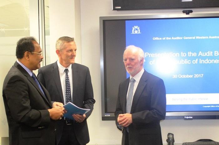 Wakil Ketua BPK Bahrullah Akbar (ujung kiri) kunjungi Western Australia Audit Office & Public Service Committee of Western Australia (Foto Dok. BPK RI)