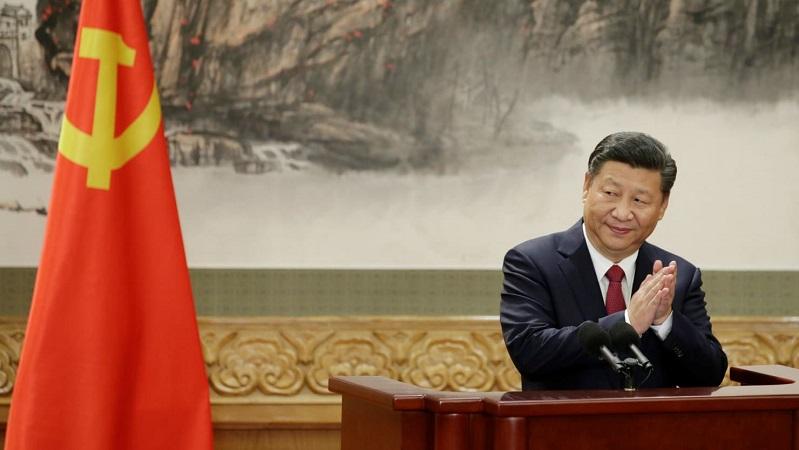 Kongres Partai Komunis Cina secara bulat telah melakukan pemungutan suara untuk mengabadikan nama Xi Jinping dan pemikirannya ke dalam konstitusi. Artinya, Xi Jinping disetarakan dengan Mao Zedong dan Deng Xioping. (Foto: Jason Lee/Reuters)