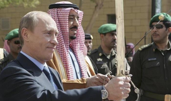 Raja Arab Saudi Salman bin Abdul Aziz dan Presiden Rusia Vladimir Putin di Rusia. Foto: Dok. Our Russia