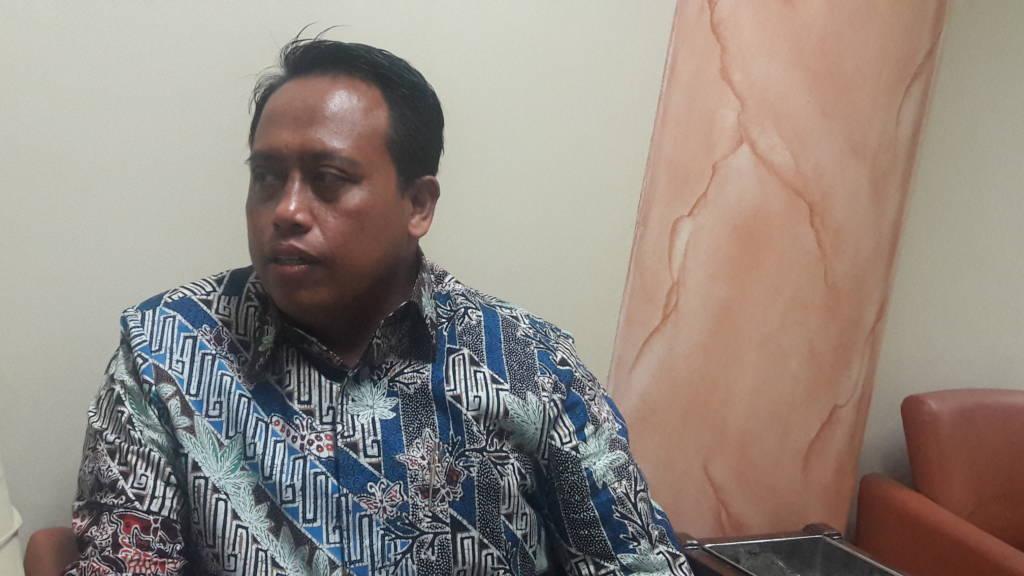 Anggota Komisi B DPRD Jatim Agus Maimun saat ditemui di Surabaya ,Jumat (3/11) menuding Dinas Pertanian Jatim tak serius bekerja. (Foto: Tri Wahyudi/NusantaraNews)