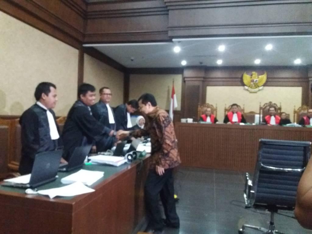 Ketua DPR RI Setya Novanto masih didengarkan kesaksiannya dalam sidang yang digelar di Pengadilan Tindak Pidana Korupsi Jakarta Pusat. (Foto: Restu Fadilah/NusantaraNews)