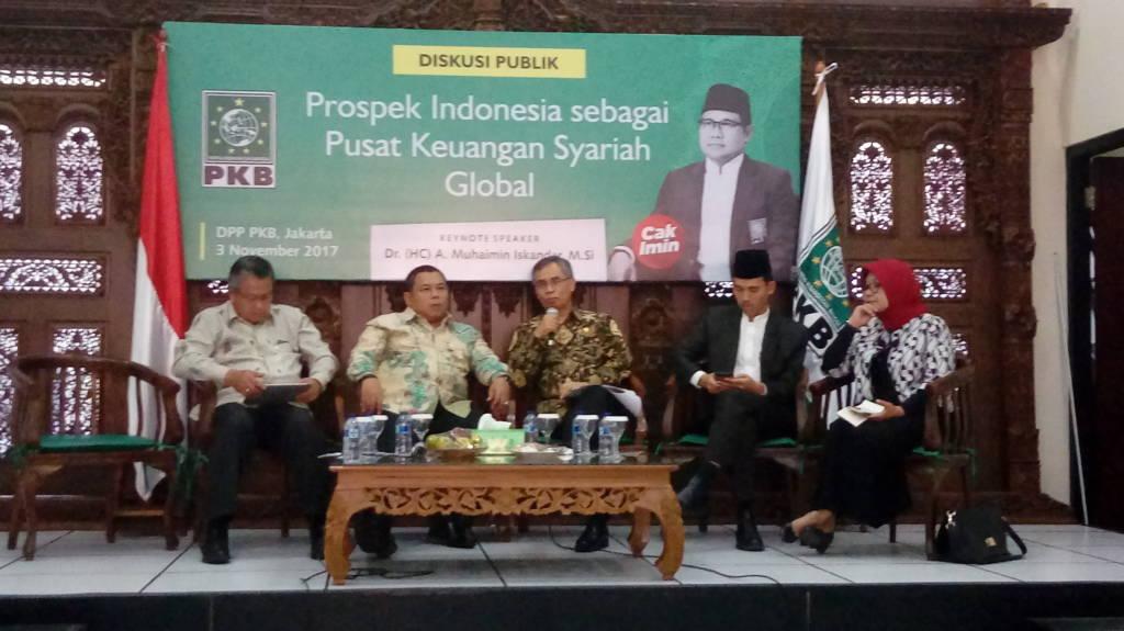 "Diskusi publik bertema ""Prospek Indonesia Sebagai Pusat Keuangan Syariah Global"" di Kantor DPP PKB, Jakarta, Jumat (3/11). (Foto: Andika/NusantaraNews)"