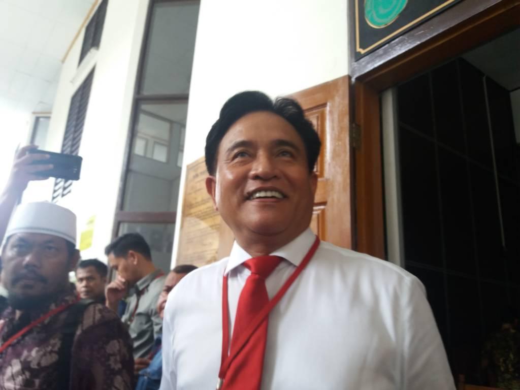 Kuasa Hukum Eddy Rumpoko, Yusril Ihza Mahendra di PN Jaksel, Senin, (13/11/2017). Foto: Restu Fadillah/NUSANTARANEWS
