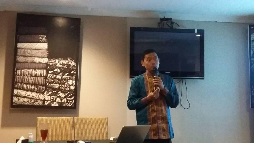 Direktur riset Media Survei Nasional (Media), Sudarto sebut Tiongkok ancaman terbesar Indonesia karena mereka mendominasi perekonomian. Foto: NusantaraNews/Syaefuddin Al Ayubbi