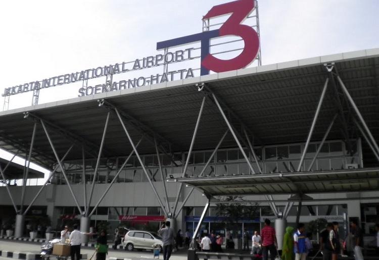 Bandara Soetta (Foto via panoramio)