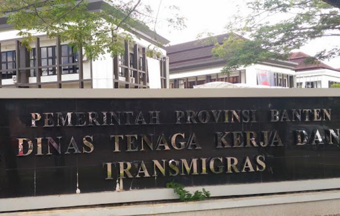 Kantor Disnakertrans Banten (Foto Istimewa/Nusantaranews.co)