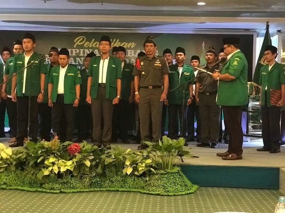 Ketua PP GP Ansor H Yaqut Cholil Qoumas resmi melantik Pengurus Cabang GP Ansor Kota Surabaya Masa Khidmat 2017-2021 pada Hari Ahad (5/10) di Hotel Tunjungan. (Foto: Istimewa)
