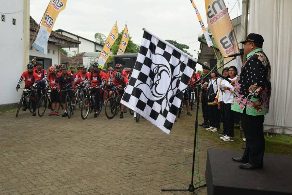 HUT Brimob ke 72 tahun 2017, Korps Brimob Polri mengadakan kegiatan Fun BikeTour De Java. (Foto: Arif Safuan)