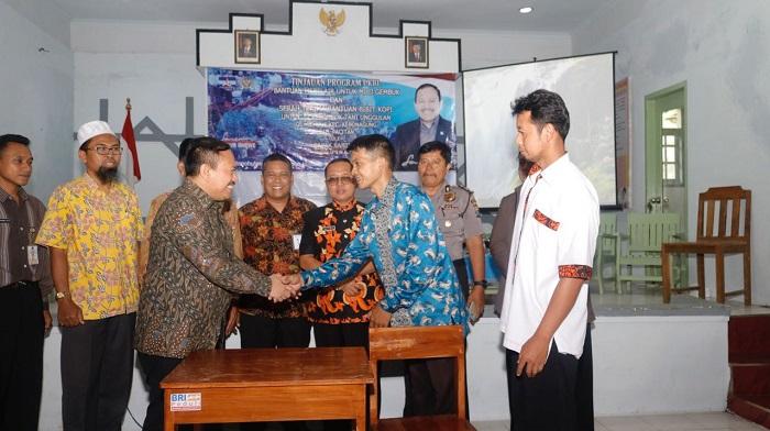 Anggota Komisi VI DPR RI, Sartono. Foto Moh Nurcholis/ NusantaraNews