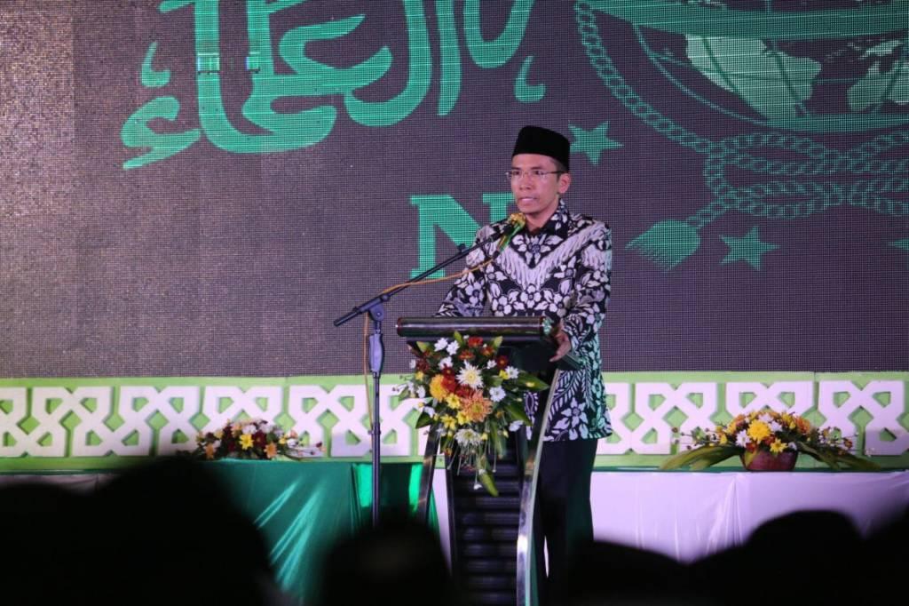 Gubernur Nusa Tenggara Barat TGH Muhammad Zainul Majdi saat berpidato di Munas dan Konbes NU 2017. Foto: Dok. Munas Alim Ulama/ Ahmad Labieb
