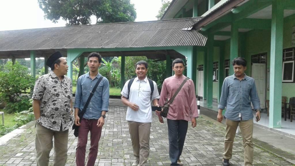 empat mahasiswa asal Thailand yang mewakili Majelis Muslim Thailand melakukan kunjungan ke kampus STAINU Temanggung dalam rangka studi banding pengembangan pendidikan tinggi. Salah satu alasannya, mereka tertarik dengan khazanah Islam Nusantara yang dikembangkan kampus-kampus NU di Indonesia.
