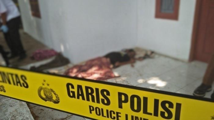 Warga Purwakarta Digegerkan Mayat Tak Kenal Penuh Darah. Foto Fuljo/ NusantaraNews