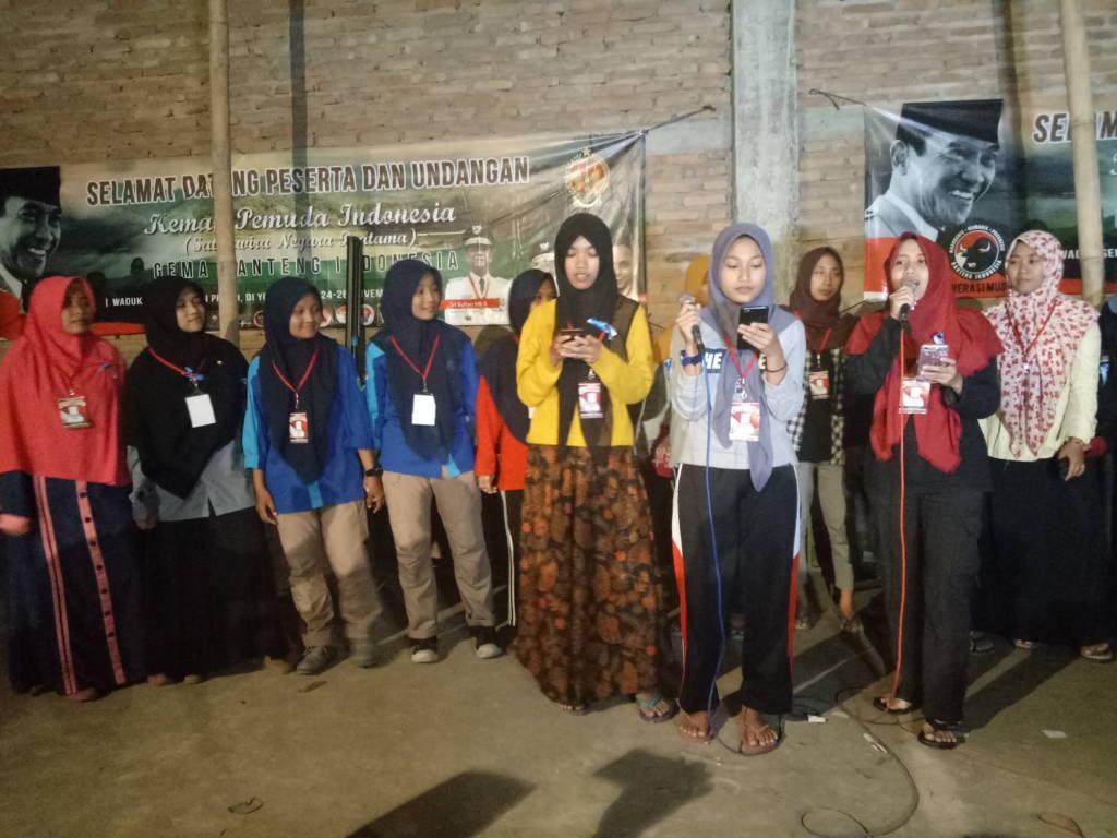 Peserta acara kemah pemuda Gema Banteng Indonesia (Satyawira Negara Pratama) pada tanggal 24 - 26 November 2017 di Waduk Sermo, Kulon Progo, DI Yogyakarta. Foto: Dok. Istimewa