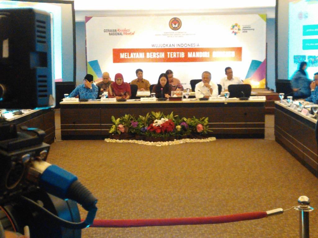 Menteri Koordinator Pembangunan Manusia dan Kebudayaan (PMK) Puan Maharani memimpin rapat koordinasi Tingkat Menteri (RTM) tentang Siaga Darurat Banjir dan Tanah Longsor di Kantor PMK di Jalan Medan Barat no 3, Jakarta Pusat, Rabu (29/11/2017). Foto: Ucok Al Ayubbi/NusantaraNews
