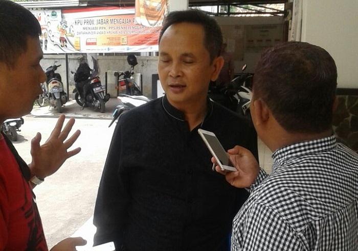 Kabid Investasi BMPTSP Iwan Kuswandi usai gelar sosilasasi Investasi di wawancarai media (Foto: Fuljo/Nusantaranews)