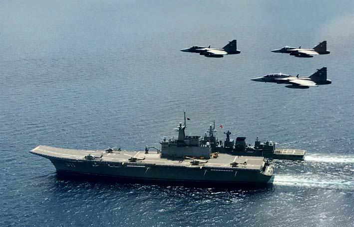 Kapal Induk Angkatan Laut Thailand HTMS Chakri Naruebet/photo: Bangkok Post
