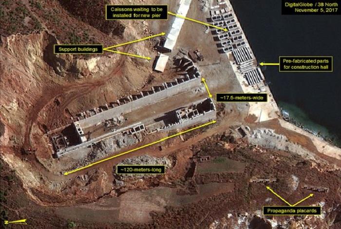 Korea Utara tengah membangun sebuah dermaga untuk kapal selam rudal balistik. Foto: DigitalGlobe