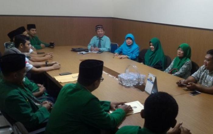 Ketua DPW PPP DIY Amin Zakaria bersama pengurus (Foto Istimewa/Nusantaranews)