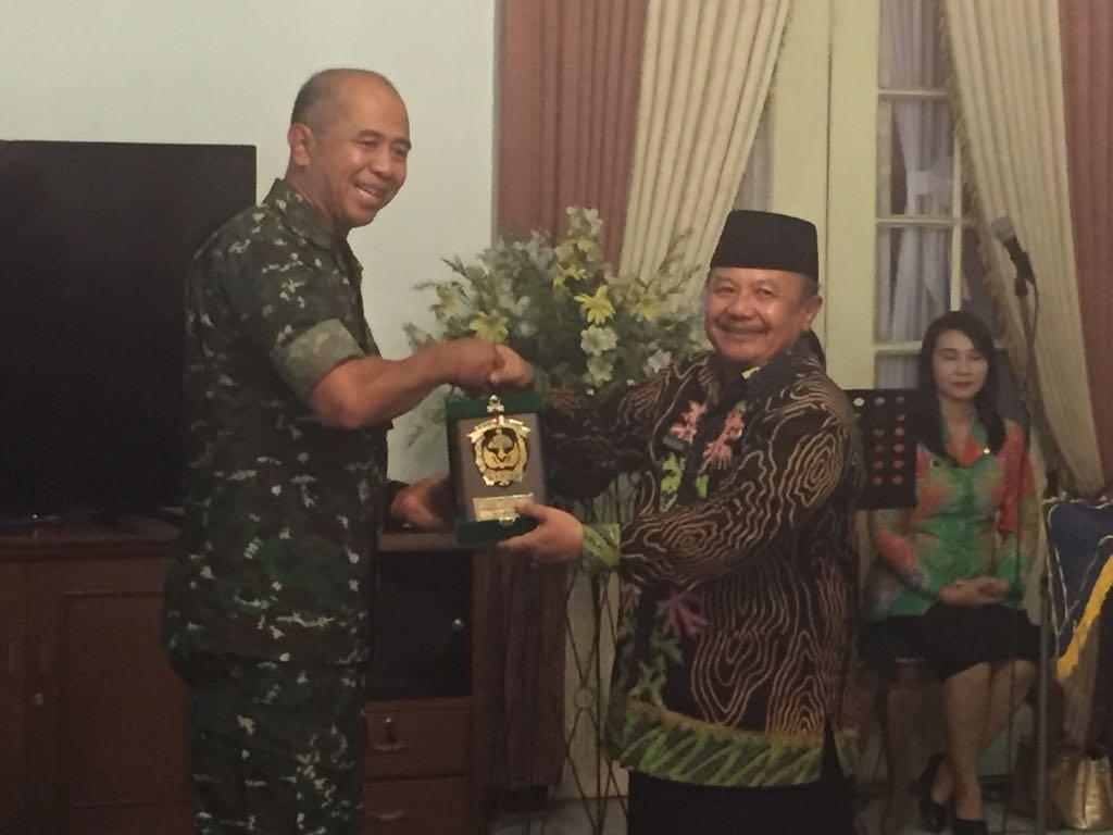 Pangdam V/Brawijaya, Mayjen TNI Arif Rahman melakukan kunjungan kerja ke Kabupaten Madiun, 21 November 2017. Foto: Dok. Pendam