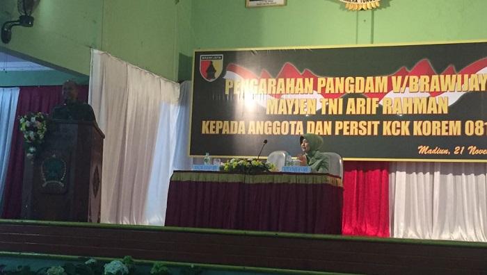 Di Hadapan Persit dan Prajurit, Pangdam Perkenalkan Diri. Foto Sinthu/ NusantaraNews