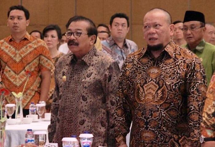 La Nyalla bersama Gubernur Soekarwo (Foto: Tri Wahyudi/Nusantaranews)