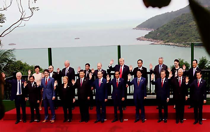 Para Pemimpin APEC Berfoto Bersama di Da Nang, Vietnam