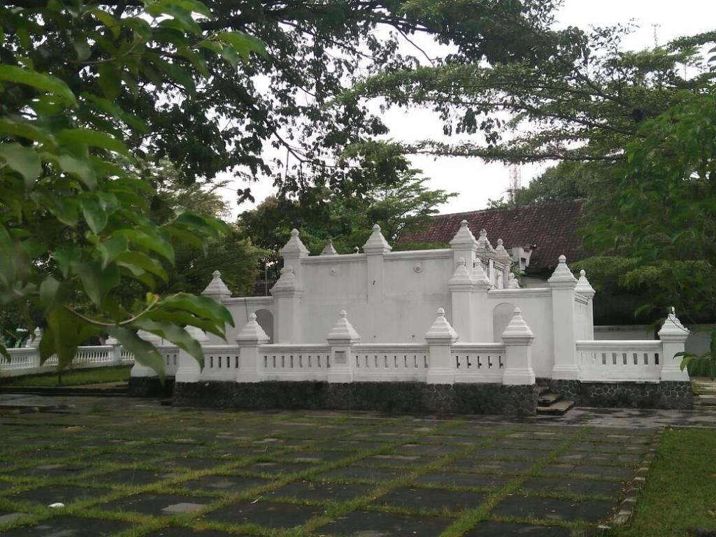 Bangunan cagar budaya yang terletak di kampung kestalan Banjarsari ini dibangun atas perintah KGPAA Mangkunegara VII pada tahun 1936. (Foto: (kota.surakarta.go.id)