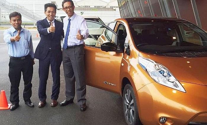 President Director PT Nissan Motor Indonesia Eiichi Koito bersama Dirjen ILMATE Kemenperin. Foto: Dok. Humas Kemenperin