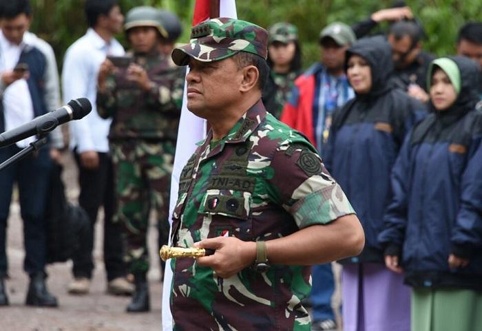 Panglima TNI Gatot Nurmantyo Saat Upacara Kenaikan Pangkat di Papua (Foto Istimewa/Nusantaranews)