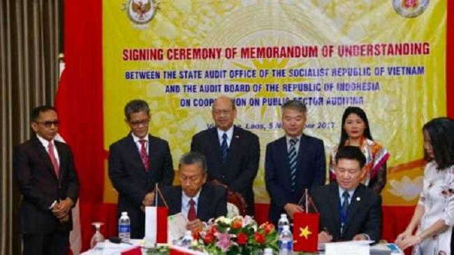BPK menandatangani MoU dengan State Audit Offfice of the Socialist Republic of Viet Nam (SAV). Foto: Dok. Humas BPK