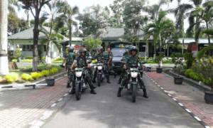 Kodim 0809/Kediri melakukan patroli ke pos-pos pengamanan Natal dan Tahun Baru se-Kota dan Kabupaten Kediri. Foto: Dok.Kodim Kediri
