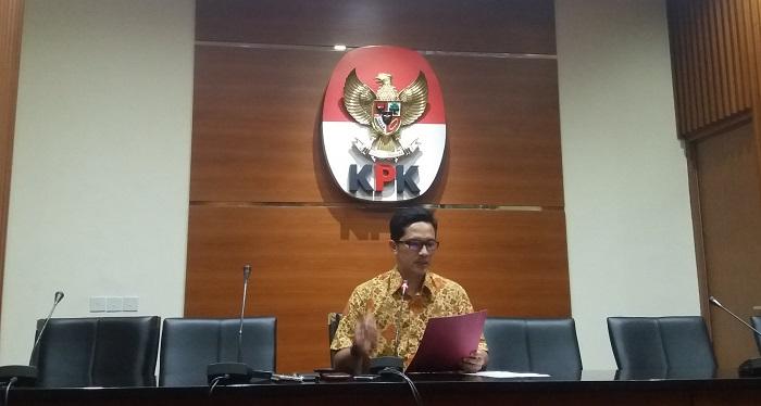Febri Diansyah saat menyampaikan bahwa Komisi Pemberantasan Korupsi (KPK) menetapkan Bupati Nganjuk, Taufiqurrahman sebagai tersangka dugaan penerimaan gratifikasi. Foto: Restu Fadilah/ NusantaraNews