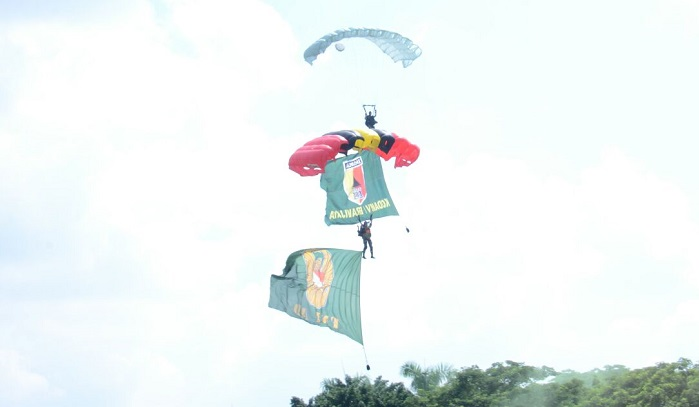 Perayaan Hari Juang Kartika (HJK) dan HUT Kodam V/Brawijaya ke-69 tahun di lapangan Makodam V/Brawijaya. Foto: Pendam V/Brawijaya/ NusantaraNews