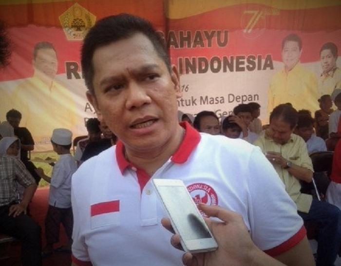 Sekjen Ormas MKGR Adies Kadir bantah organisasinya dukung pelengseran Setya Novanto. Foto: Dok. NusantaraNews