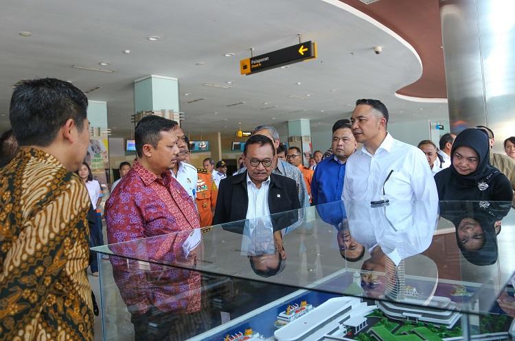 CEO Pelindo III Ari Askhara saat menerima Kunjungan Kerja Komisi V DPR RI (Foto: Tri Wahyudi/Nusantaranews)