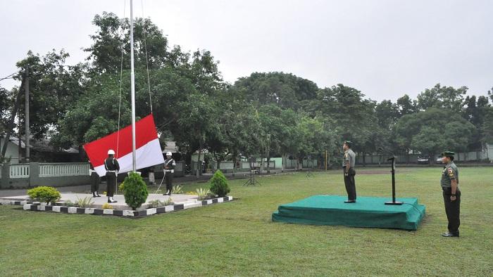 Tunaikan Peringatan Hari Ibu 22 Desember, Korem 082/CPYJ mengelar Upacara Bendera. Foto Penre, 082/ Nusantaranews