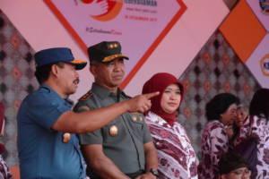 Panglima Kodam (Pangdam) V/Brawijaya Mayjen TNI Arif Rahman menghadiri pergelaran Hari Kesetiakawanan Sosial Nasional (HKSN) di Surabaya, Rabu 20 Desember 2017. Foto: Dok.Pendam/Kodam Brawijaya
